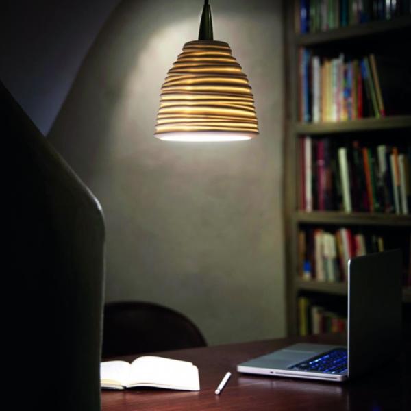 Citric luminaria en suspensión en biblioteca
