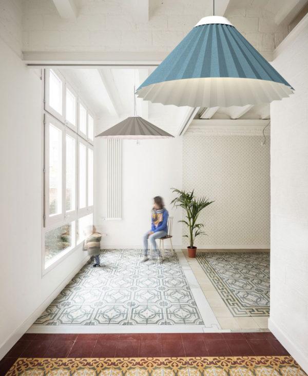 Luminaria decorativa de suspensión Plise en Patio fabricada por El Torrent